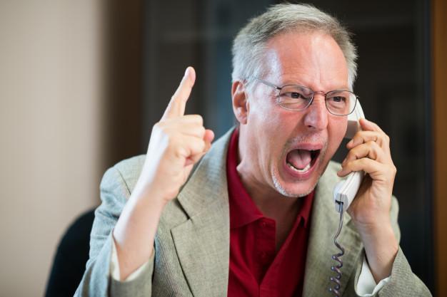 El mayor nivel de Insatisfacción de los clientes se debe a largas esperas de atención telefónica